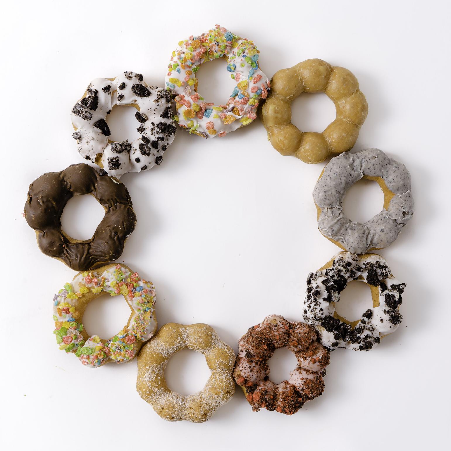 Photo of mochi doughnuts in a circle